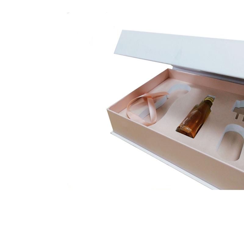 Cosmetic Packaging 04